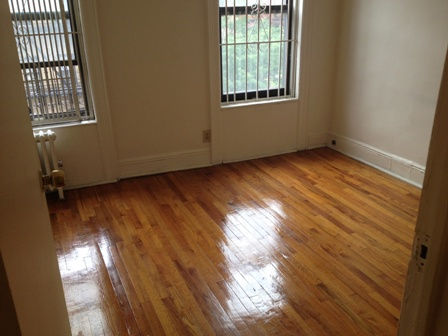 Spacious 1 bedroom with 2nd room for office or 2nd Bedroom