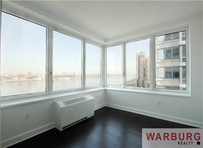 NEW!Three Bedroom Rental,Three Baths with AWESOME VIEWS OF THE RIVERS AND GW BRIDGE