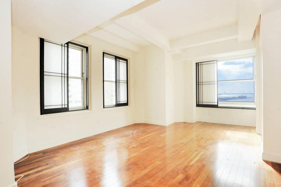Large 2 Bedroom 1 Bath with fabulous views!