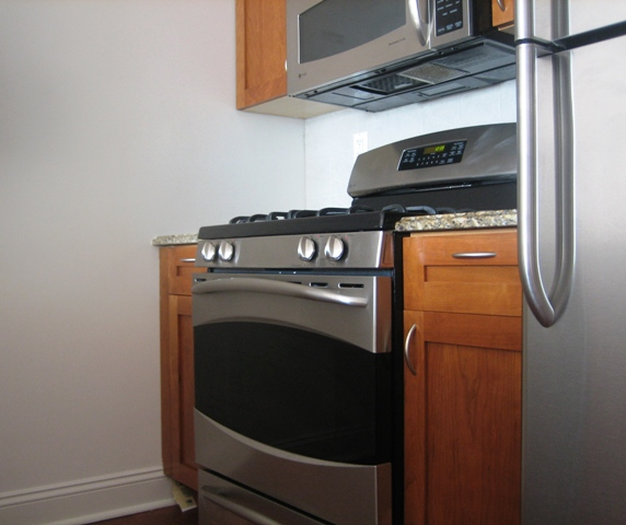 State of the art condominium - 2br / 2bath - Washer Dryer !
