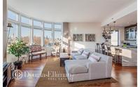 12 McGuinness Boulevard S #PH2