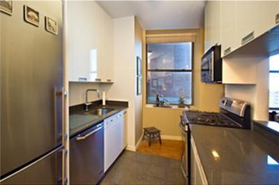 Best Priced 2 Bedroom in 99 John Street! Seller Pays Transfer Taxes!