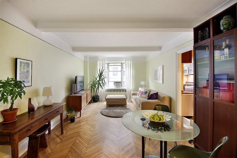 Stunning South Facing 1BR plus Office in W 90s and Broadway!