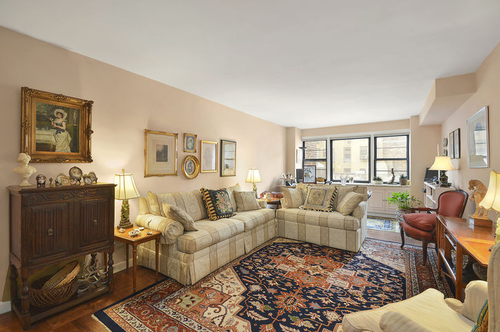 39 Gramercy Park North #9A