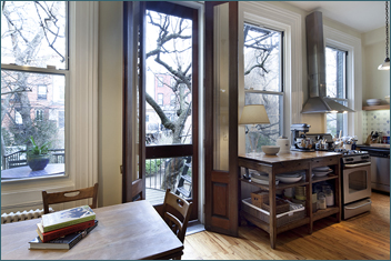 "ELEGANT 24""W COBBLE HILL TOWNHOUSE"