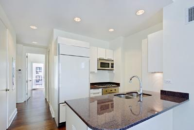 Exquisit Rental Opportunity: Value & Luxury. Fully-Furnished Condo Sublet.