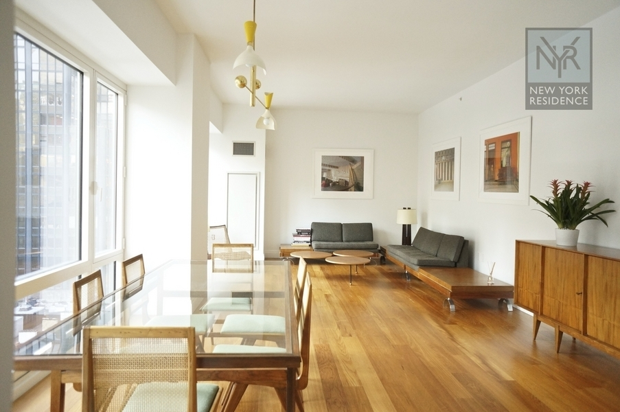 Stunning 3 bedroom - South and North facing, 3.5 bathrooms. Only 2 apartments per floor!