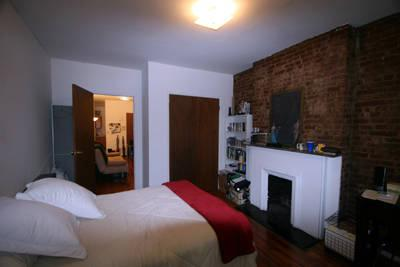 Fabulous, spacious Chelsea 1 Bed *high ceilings* *exposed brick* *fantastic layout*