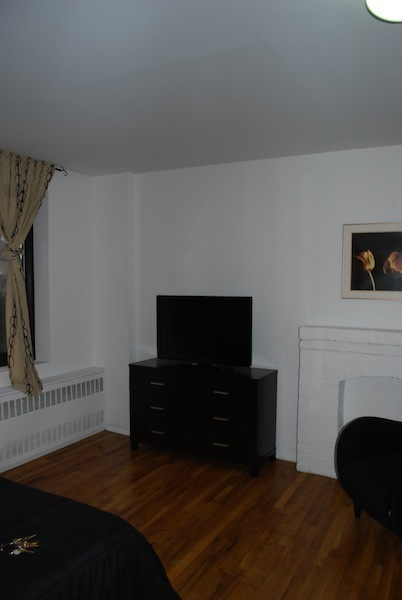 Unfurnished* UES One Bed/TWO Baths – Elevator/Laundry -Duplex- PRIVATE BACKYARD – Great Price