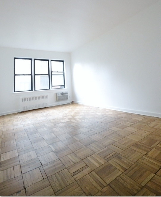 Massive 1 Bedroom in *Elevator Building* - Great Upper East Side Location