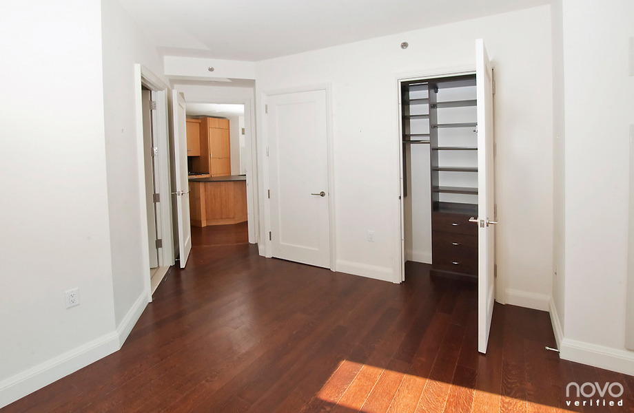 North East Facing, Sun-drenched 2bed/2bath at the Visionaire!