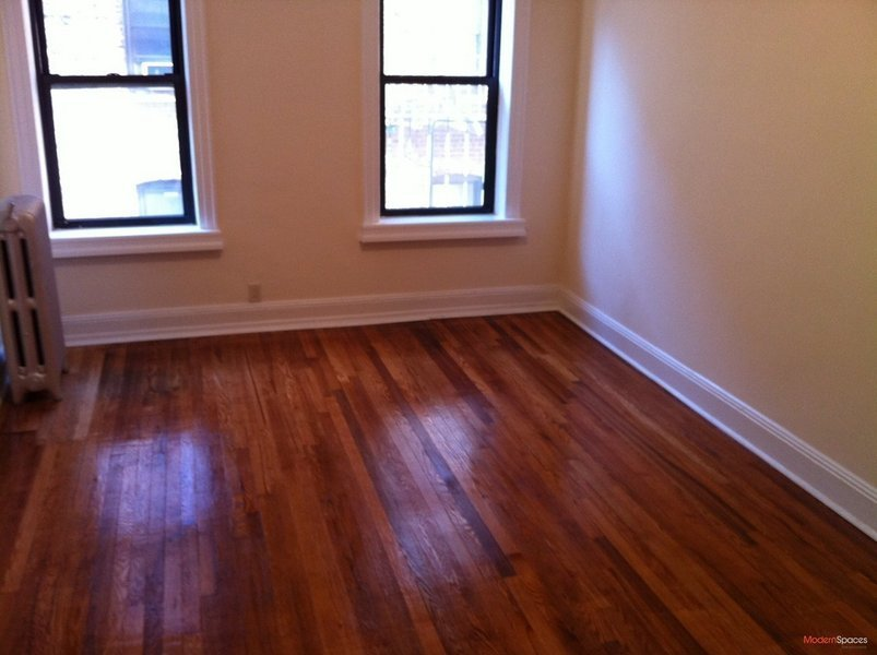 ONE BEDROOM + 1 BA, -AVAIL IMMEDIATELY-