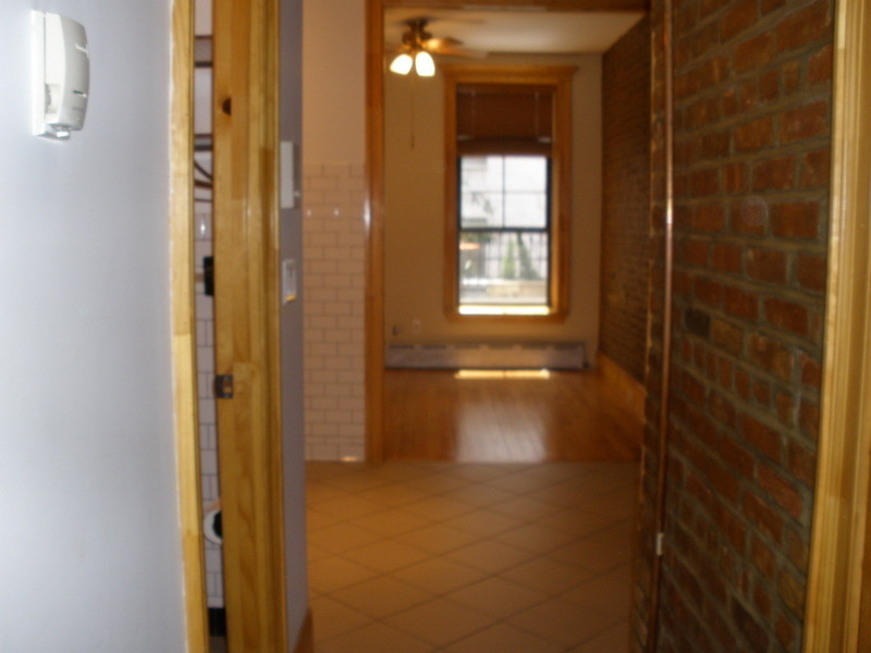 1 DAY ON THE MARKET CHARMING STUDIO NEWLY RENOVATED 64TH st & 2ND AVE- HURRY