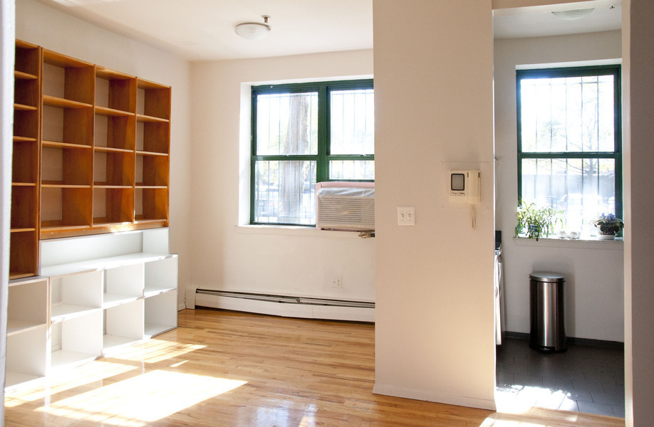 LOW FEE, EXCLUSIVE, SLEEK 1BR DUPLEX IN THE CLINTON HILL MEWS