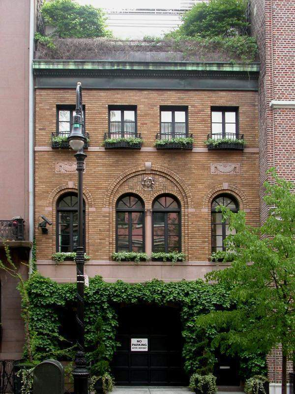 40 west 10th st townhouse sale in greenwich village for Manhattan townhouse for sale