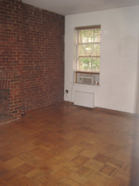 WEST 87TH STREET OFF CENTRAL PARK LARGE SUNNY 1 BEDROOM NO FEE