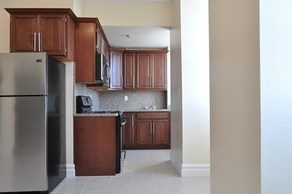 PERFECT SHARE 2 BEDROOM// GUT RENOVATED//