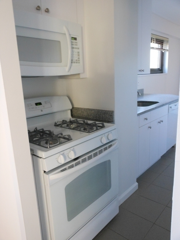 3 bedroom - Beautifully renovated- NO FEE! 1 MONTH FREE