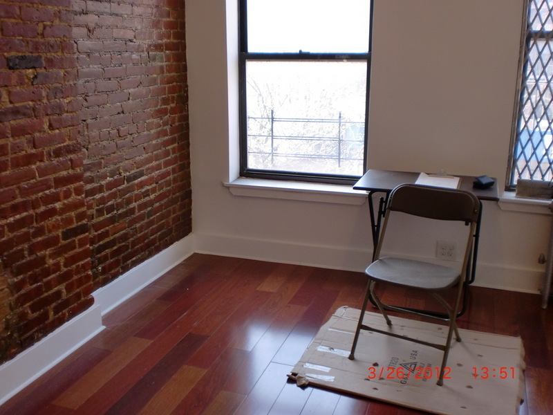 RENOVATED STUDIO APARTMENT